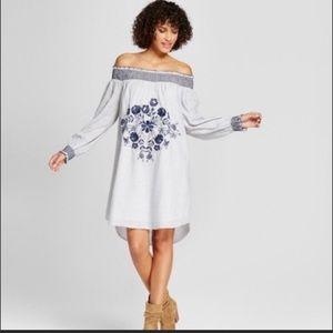 Brand New beautiful Exhilaration Long Sleeve Dress